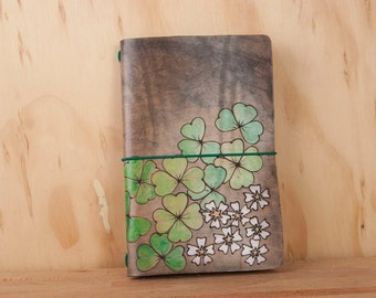 Travelers Notebook - Leather with shamrocks and flowers - Fauxdori Midori Notebook in the Lucky Pattern