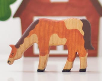 Wooden horse toy Farm Animals Waldorf toy Miniature animal figurines Nature table