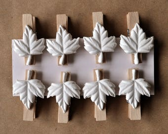 Mini leaf clothespins, spring decoration, decorated clothespin, wooden clothespin, jute rope garland, set small wood pins, white leaf pegs