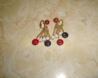 vintage clip on earrings goldtone red white blue lucite beads dangles