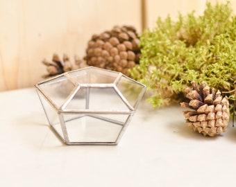 Glas-geometrische Ring-Box Pentagon. Auserhalb Hochzeitsdeko