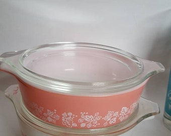 Set of 2 pyrex pink gooseberry casseole dishes/1950s/vintage/MCM/kitschy/minty