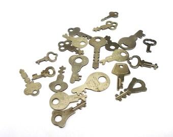 Vintage Lot of 21 Assorted Keys Padlock Keys Cabinet Keys Steamer Trunk Keys Skeleton Keys Keys Seeking a Lock