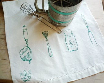 Dish Towel in Emerald on Cream Linen - Hand Screened Kitchen Towel, Gourmet Gift, Retro Kitchen, Vintage Dish Illustration, Ready to Ship
