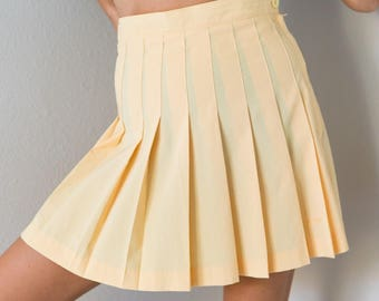 Vintage 70s Pastel Yellow High Waisted Pleated Tennis Skirt Size 8 Small S to Medium M Waist 28 inches!