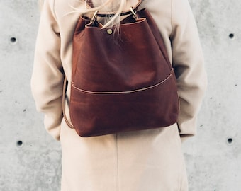 the slingback tote in brown // pure leather tote // wear as over the shoulder tote, around the back sling, or as a backpack