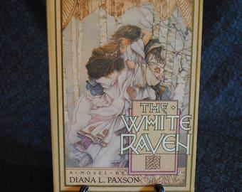 The White Raven by Diana L. Paxson 1988 ARC