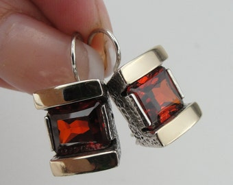 New Israel Handmade 9K yellow Gold 925 Sterling Silver Garnet Earrings, Perfect  Birthday Gift!  (s e3000)