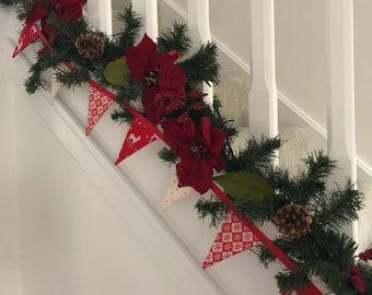 Red Mini Christmas bunting, mini Christmas garland, Scandi style Christmas bunting, xmas garland, festive tree decoration, tree garland