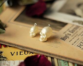 3 pcs of Imitation pearl skull pendant