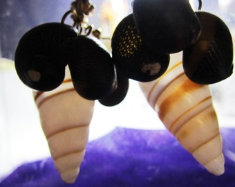 """Bohemian 80s Periwinkle Mix Shell contrasting Earrings 2 1/2"""" inch"""