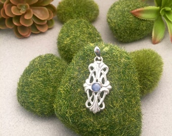 Cast pendant in 925 Sterling Silver with Kyanite