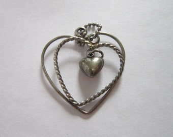 Vintage Silver Triple Heart Necklace Pendant