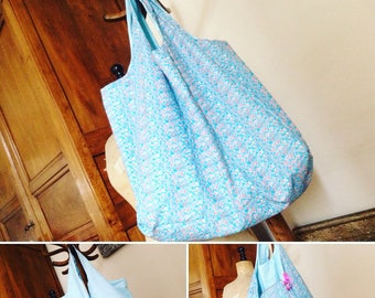 Tote all XXL cotton flowers and turquoise print, reversible and foldable bag in a matching pouch
