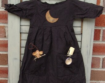 Primitive Halloween pattern Witch Dress with Mouse | Halloween decor | witch dress | primitive Halloween Pattern | HFTH166