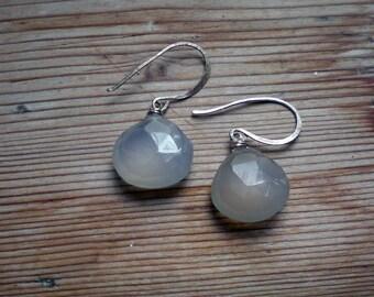 Chalcedony jewelry // Chalcedony earrings // silver jewelry // silver earrings