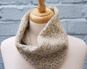 Knitted Leopard Print Cowl/Snood made from Shetland Wool - White & Grey, Sustainable, Cycling, Winter, gift for her, Mom, Mum, mothers day