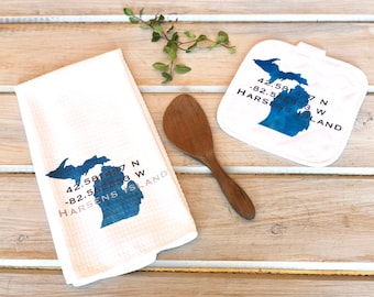 Custom Lake Kitchen Towel Set, Personalized Lake Kitchen Pot Mat, Personalized Michigan Kitchen Towel Set, GPS Location Coordinates Decor