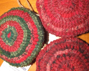 Primitive Hooked Rug Set of 3 Round Christmas  Ornaments