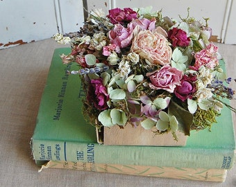 Dried Flower Arrangement  /  Shabby Cottage Dried Floral /