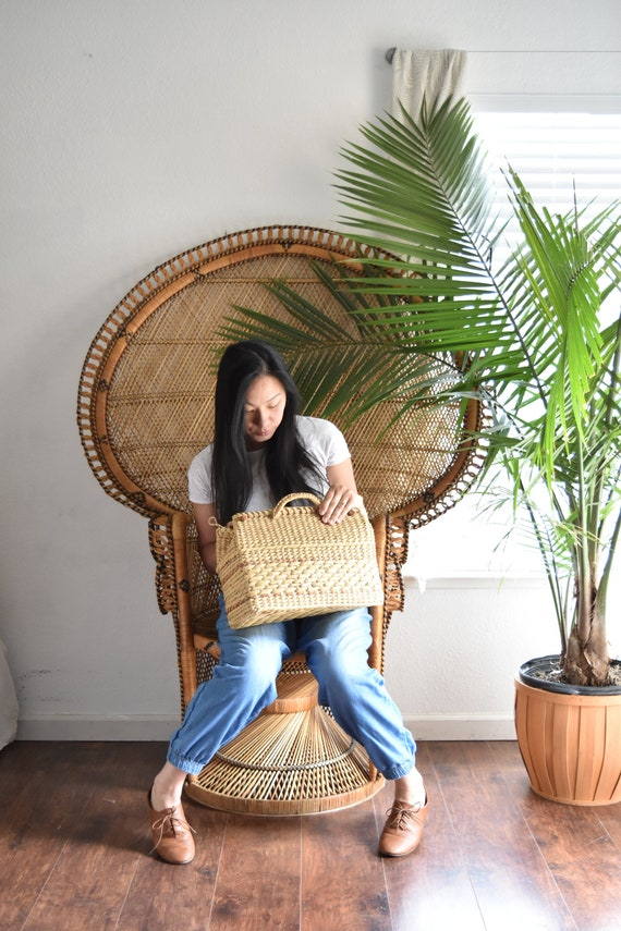 casual summer woven straw basket hand bag / beach bag