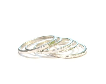 Set of 5 rings in Sterling Silver hammered rings to stack-
