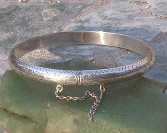 Vintage Hinged  Bracelet-Bangle