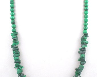 1970s Lovely Vintage Malachite Nuggets & Beads Necklace