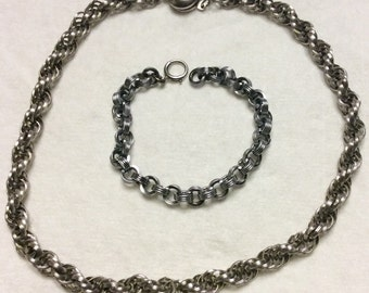 Vintage 1960's prince of wales chain necklace and bracelet.