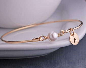 Wedding Party Gift, Bridesmaid Jewelry Gift, Wedding Bridesmaid Bracelet, Gold Bangle Bracelet,  White Pearl Bracelet