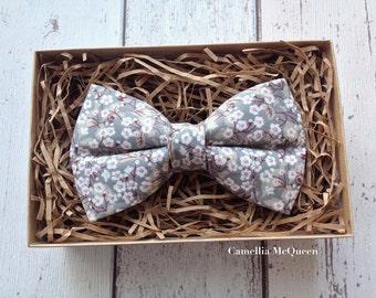 Men's bow tie, boys' bow tie, daisies on grey bow tie