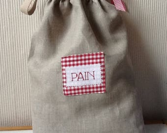 Bag of linen and red gingham abread