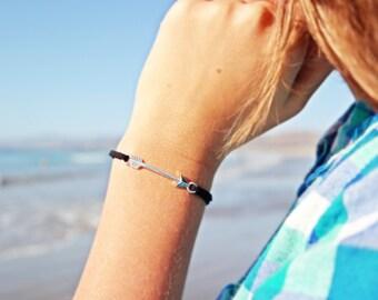 BLACK arrow bracelet. Simple and modern.