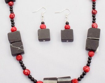 Handmade Coral & Blackstone Set. Tlautic Set