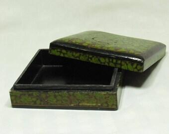 Vintage Indian paper mache lacquer box - square - 15.5 cm