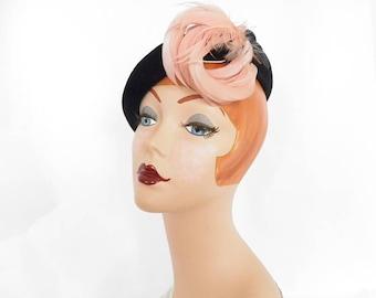 Woman's 1950s hat, vintage black tilt, pink feathers, Eva Mae