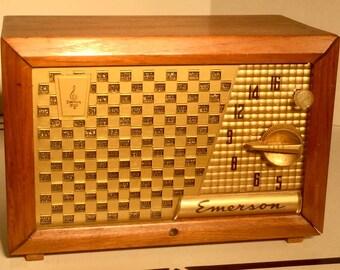 Antique Emerson Radio Model 729 B - Working