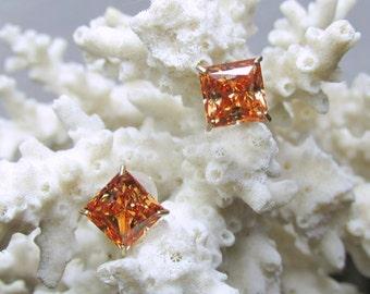 10k Princess Cut Padparadscha Sapphire Color CZ Stud Earrings 2.5ctw 1.04g