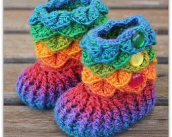 Crocodile Stitch Baby Booties That Stay On / Baby Slippers / Baby Booties /  rainbow / 6-12 mth