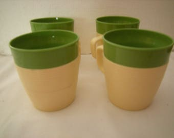 4 vtge coffee cups-raffiaware-insulated cups-thermo temp-kitchen and dining-green trim-tea cups-cold drinks-
