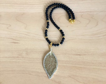 Black onyx leaf necklace