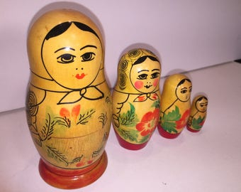 Vintage Set Russian Wooden Nesting Dolls 4 pieces