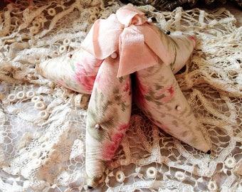 Vintage starfish pincushion stuffed star fish pin cushion antique pink silk ribbon sewing notion supply