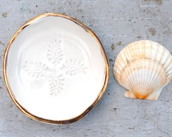 WHITE PAISLEY - Gold Rimmed Jewellery Bowl - Cream Coloured Stoneware Clay