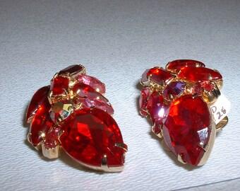 Vintage Huge Red Rhinestone Clip On Earrings (E24)