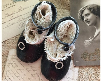 Vintage baby shoes baby boots Olive Grove Primitives