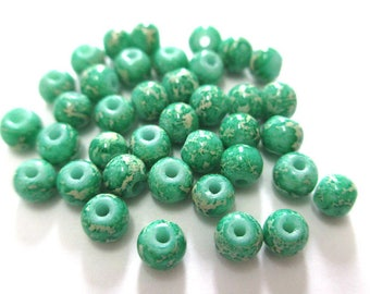 20 white marbled green painted glass 4mm (A-26) beads