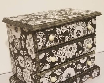 Floral Black and White Jewelry Box