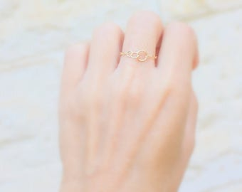 Sister rings -  Best friend ring - delicate 14k gold fill ring  -  3 Best Friend Ring - Three Circles Chain Ring -  3 Sisters Ring