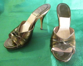 1950's/60's Ladies Dark Brown Patent Leather MULES/Spring-a la-tor SHOES by Catalano